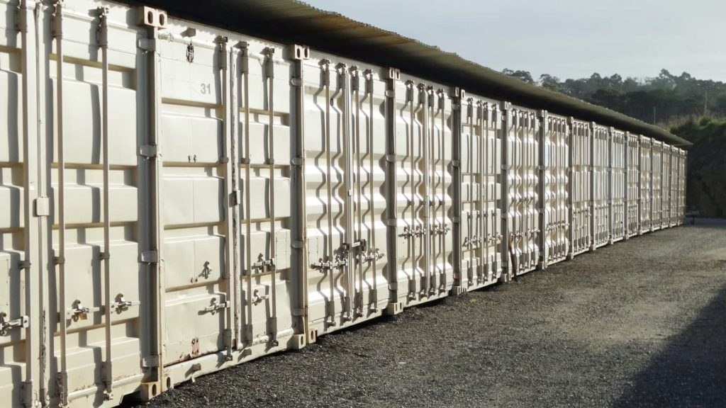 Outdoor storage shipping containers for hire